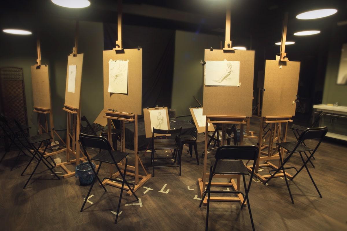 Sala de caballetes. Academia de Pintura y Dibujo Estudio Nigredo. Calle Granada 11 Madrid